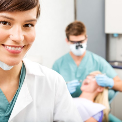 Things To Consider For Selecting The Best Dentist