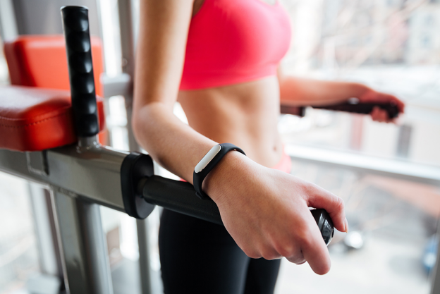 Features To Consider For Buying Top Fitness Trackers