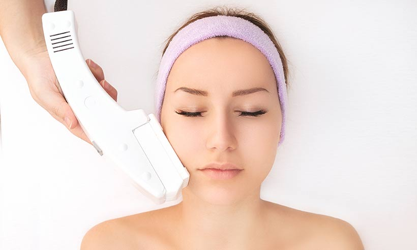 Mechanical vs. Chemical: Which Exfoliation Method Is For You?