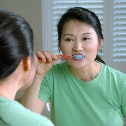 Lifestyle Habits to Make For Keeping Your Teeth Strong As You Age